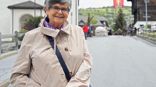 Ruth Dreifuss, lors de la célébration des 50 ans du droit de vote des femmes par le Parti Socialiste