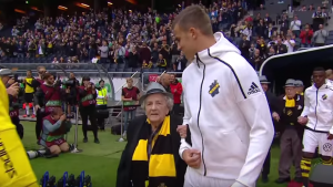 VIDEO. Match de foot: seniors stars d'un jour