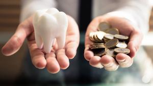 DENTS : un sourire tout neuf grâce aux implants dentaires