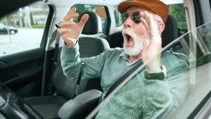 Arnaque : des faux accrochages avec des personnes âgées