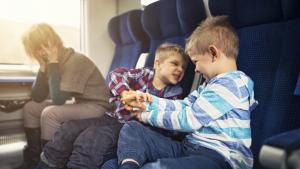 Pour ou contre: Les parents sont-ils devenus trop laxistes?