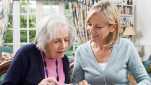 dames qui calculent leur retraite