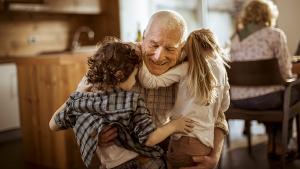 Epargne: la meilleure manière de laisser un pécule à ses petits-enfants