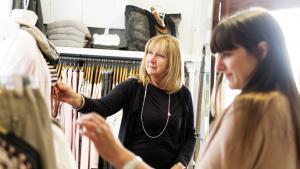 Comment s'habiller après 50 ans, sans faire ni trop vieux ni trop jeune?