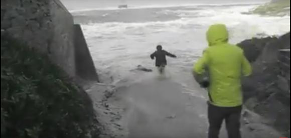 VIDÉO. Un couple de retraités échappe de justesse à la noyade