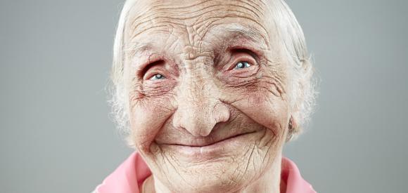 Ilya Nodia, le jeune russe qui immortalise le sourire des aînés