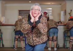VIDEO. Des retraités rejouent un clip de Taylor Swift, l'idole des ados