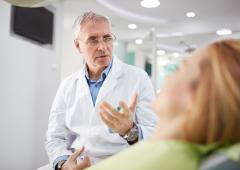 Mortalité: l'âge du médecin influence le taux de décès