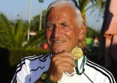 Angelo Sala, No. 1 du circuit de tennis IFT Super Seniors à 89 ans