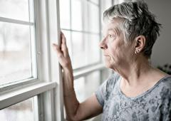 La tendance suicidaire a considérablement augmenté chez les plus de 65 ans pendant le confinement