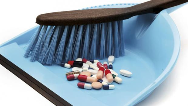 je mets mes m dicaments p rim s la poubelle generations. Black Bedroom Furniture Sets. Home Design Ideas
