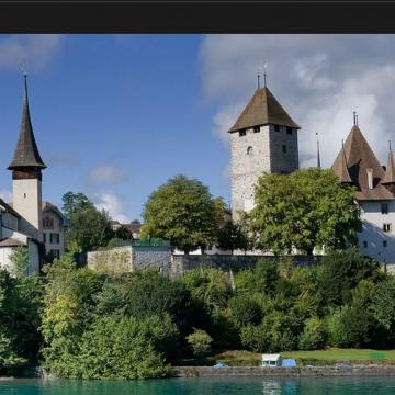Image de promenade et visite château et église de Spiez