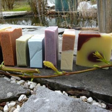 Image de Démonstration de fabrication de savons et produits de soins